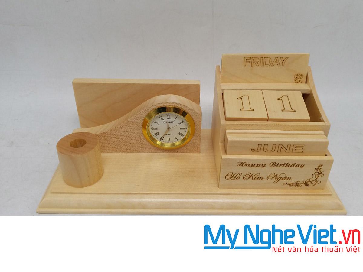 Lịch gỗ để bàn QTN25