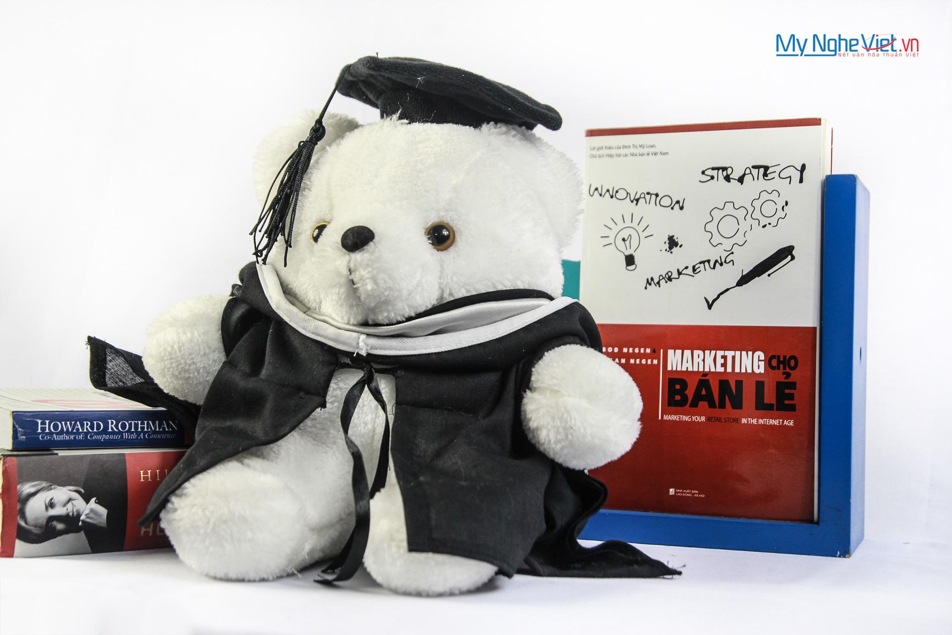 Gấu trắng mặc vest
